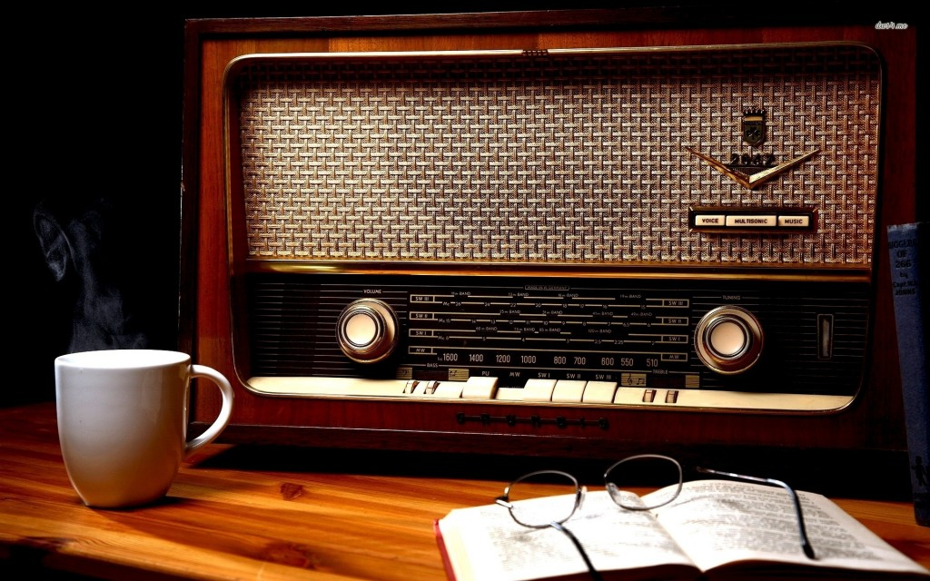 vintage-radio-photography